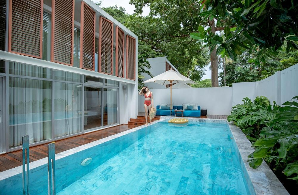 image 1 at Veranda Pool Villa by 737/12 Mung Talay Road Cha Am Cha-am 76120 Thailand