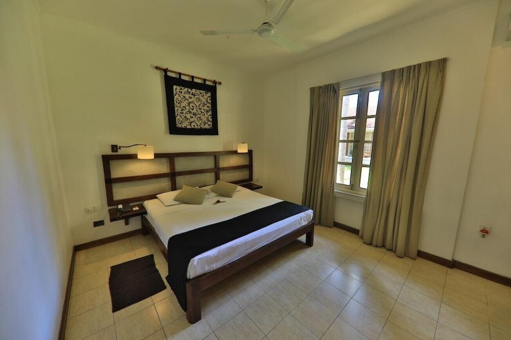 image 1 at The Tamarind Tree Hotel by No. 1, Andiambalama Estate, Yatiyana Seeduwa - Katunayake Western Province 0094 Sri Lanka