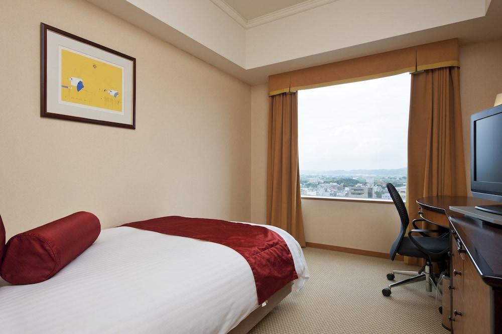 image 1 at Crowne Plaza ANA Toyama, an IHG Hotel by 2-3 Otemachi, Toyama-shi Toyama Toyama-ken 930-0084 Japan