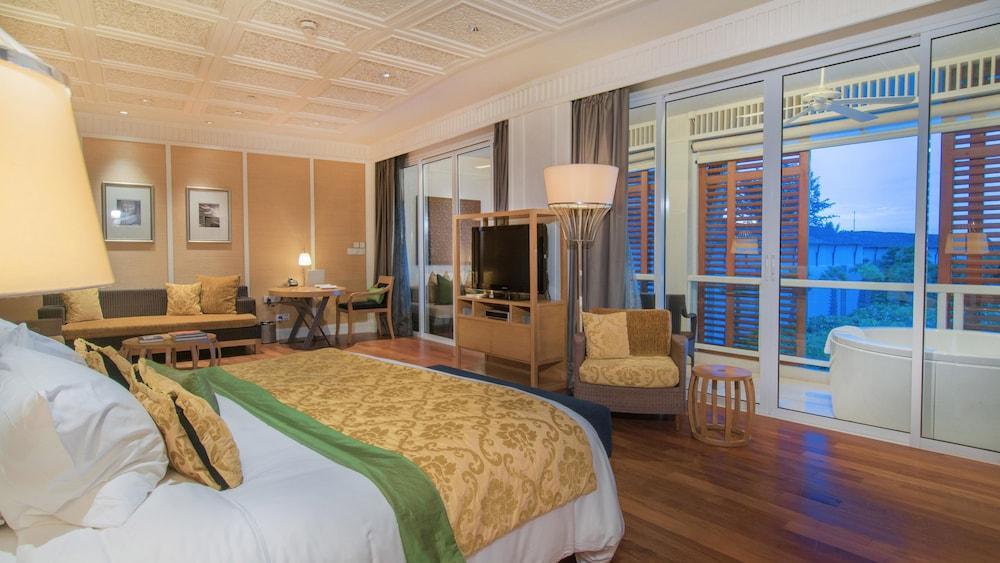 image 1 at Intercontinental Hua Hin Resort, an IHG Hotel by 33/33 Petchkasem Road Prachuabkhirikhan Hua Hin Prachuap Khiri Khan 77110 Thailand