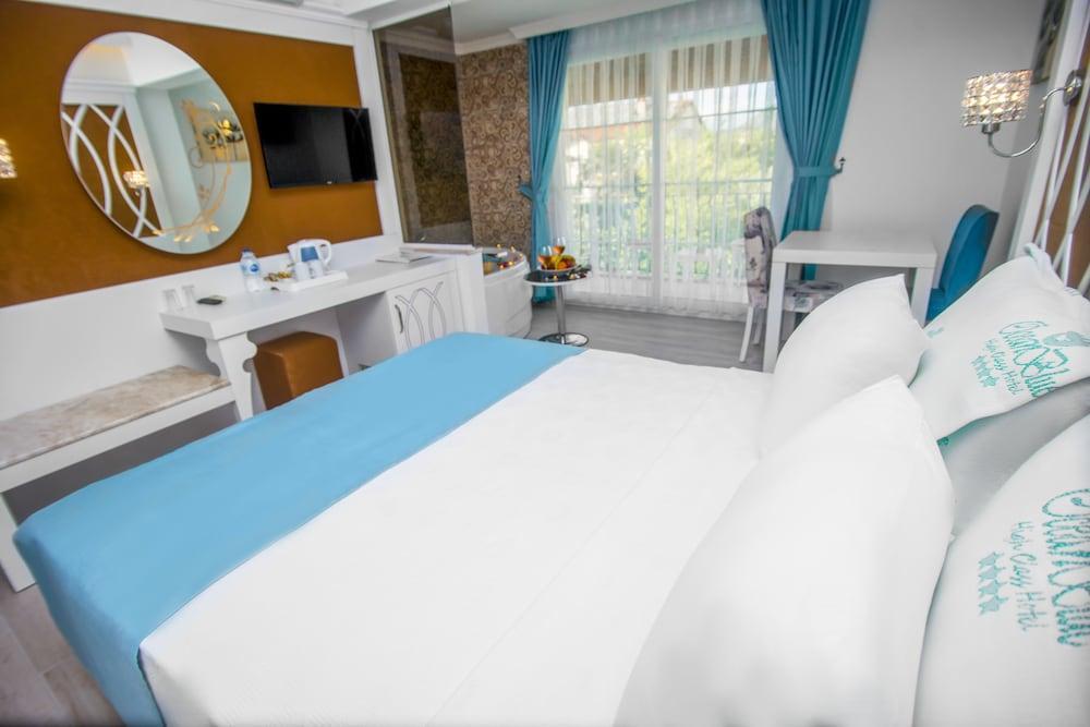 image 1 at Ocean Blue High Class Hotel by Ata Cad. No:6 Hisarönü Fethiye Mugla 48300 Turkey