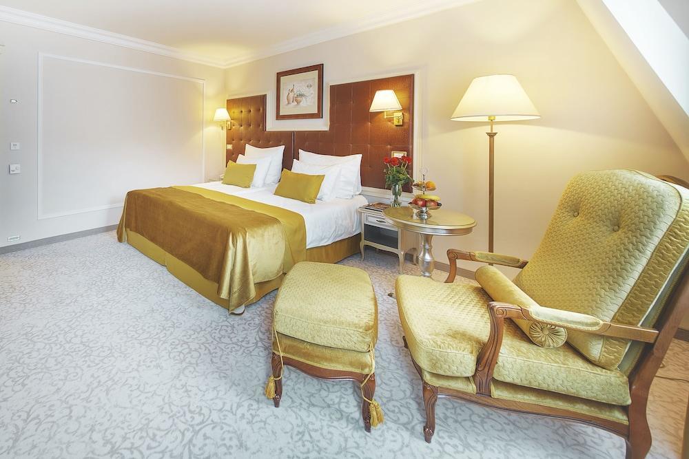 image 1 at CARLSBAD PLAZA Medical Spa & Wellness hotel by Mariánskolázenská 25 Karlovy Vary 360 01 Czech Republic