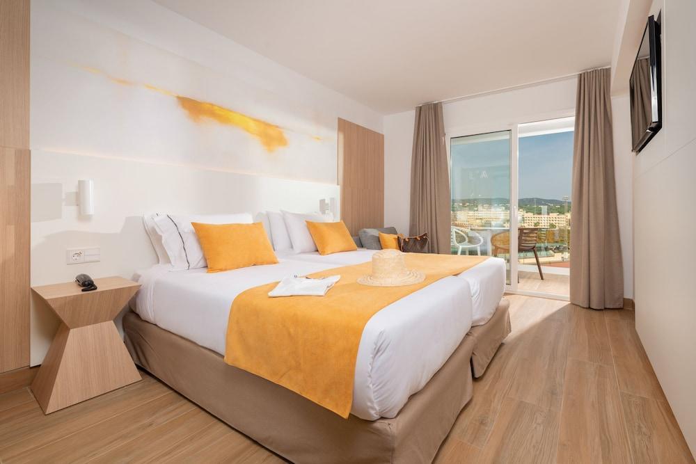 image 1 at L'Azure Hotel by Calle esports S/N Lloret de Mar 17310 Spain