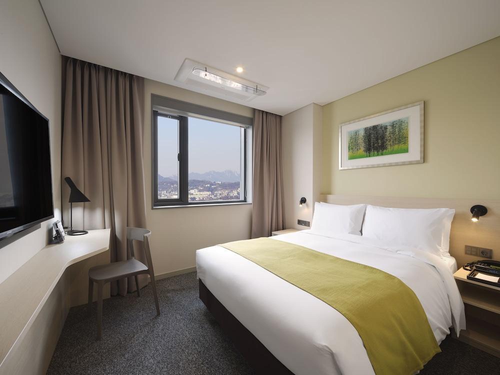 image 1 at Nine Tree Hotel Dongdaemun by 224, Eulji-ro Seoul Seoul 04561 South Korea
