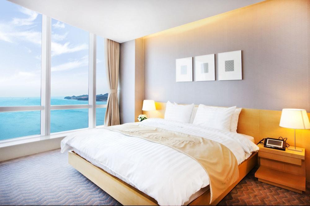image 1 at Sono Calm Yeosu (formerly The MVL Hotel Yeosu) by 111, Odongdo-ro Yeosu South Jeolla South Korea