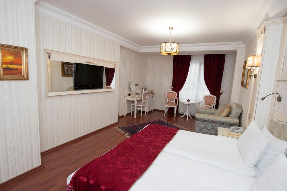 image 1 at Muyan Suites by Binbirdirek Mah, Dizdariye Medresesi Sok No: 13, Sultanahmet Istanbul Istanbul 34122 Turkey