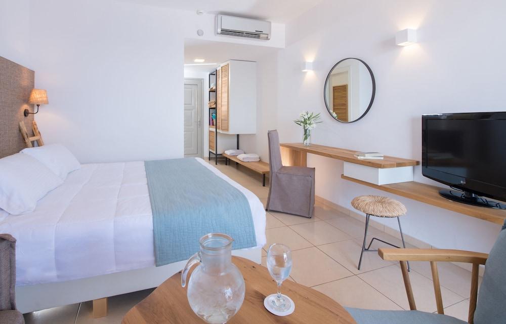 image 1 at Sea Side Resort & Spa - All Inclusive by Mononaftis Area Agia Pelagia Malevizi Crete Island 71500 Greece