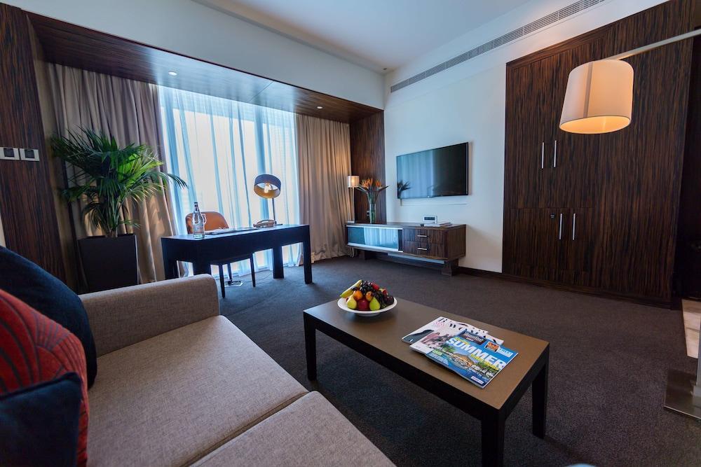 image 1 at Bonnington Jumeirah Lakes Towers by Cluster J, Jumeirah Lakes Towers Dubai 37246 United Arab Emirates