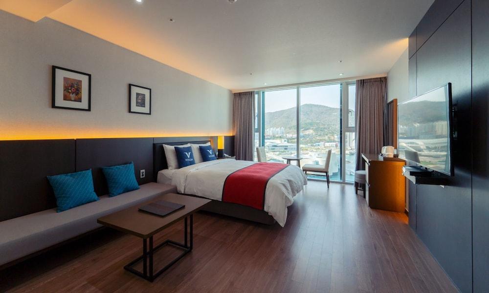 image 1 at Yeosu Venezia Hotel & Resort by 61-13, Odongdo-ro Yeosu Jeollanam-do 59723 South Korea
