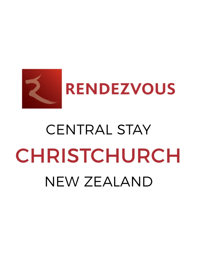 Sky-High Stay in the Heart of Christchurch with Daily Breakfast & Nightly Drinks