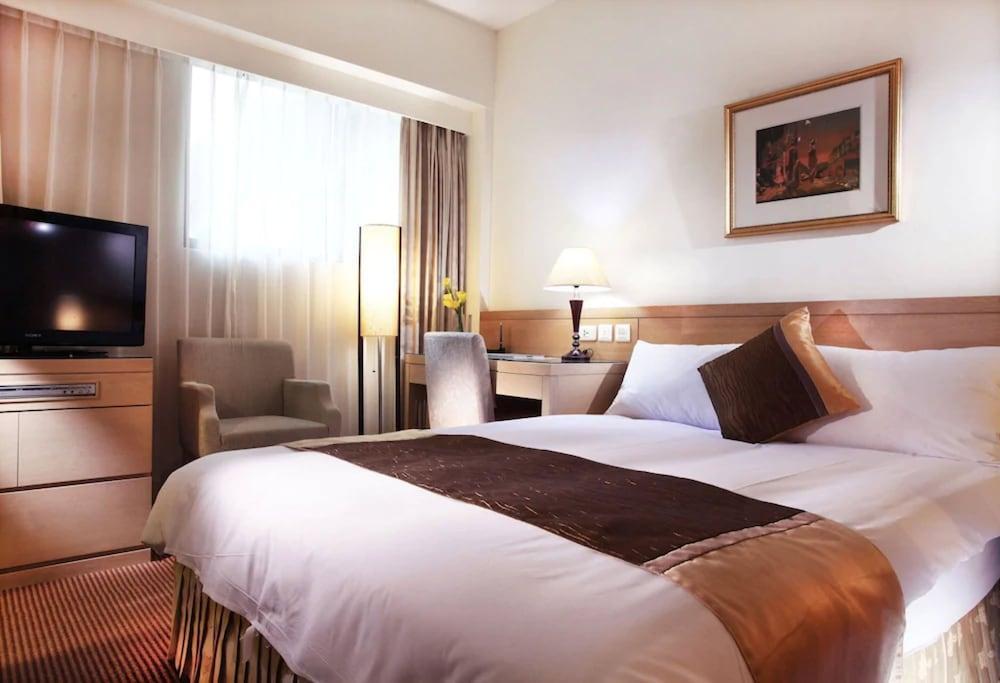 image 1 at Gala Hotel by No.186 Sung Jiang Road Taipei 104 Taiwan