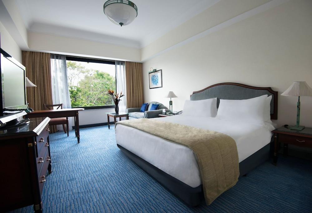 image 1 at Crowne Plaza Chennai Adyar Park, an IHG Hotel by 132 TTK Road Alwarpet Chennai Tamil Nadu 600 018 India