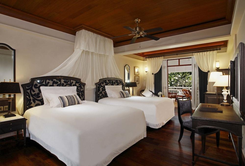 image 1 at Centara Grand Beach Resort & Villas Hua Hin by 1 Damnernkasem Road Hua Hin Prachuap Khiri Khan 77110 Thailand