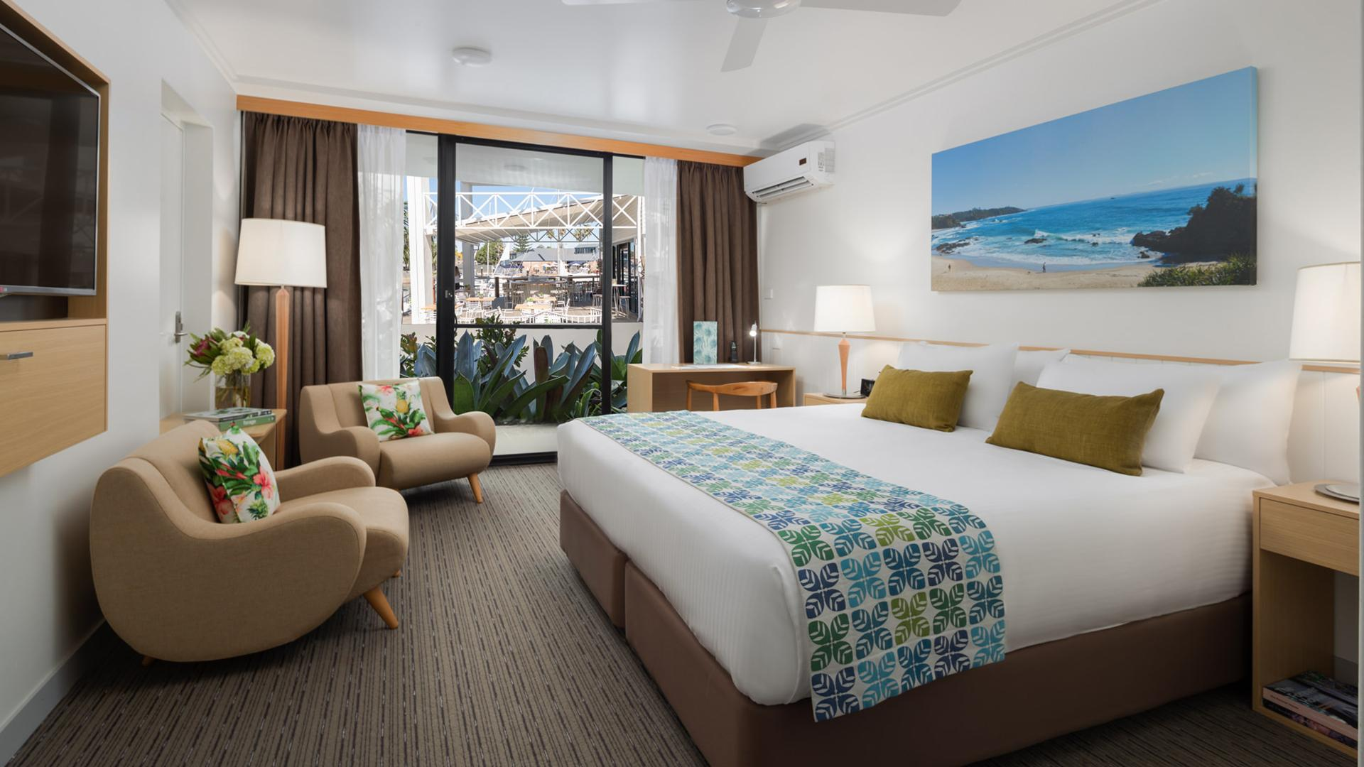 Superior Standard King Room image 1 at Sails Port Macquarie by Rydges by Port Macquarie-Hastings Council, New South Wales, Australia