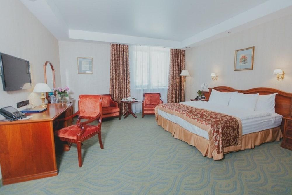 image 1 at Grand Hotel VIDGOF by 26A Lenin Avenue Chelyabinsk 454091 Russia