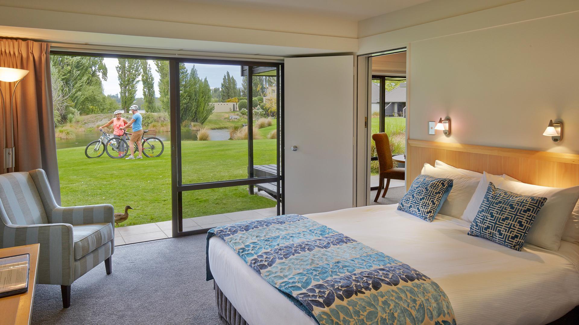 Lake View Hotel Room - Aug 20 image 1 at Edgewater Lake Wanaka by null, Otago, New Zealand