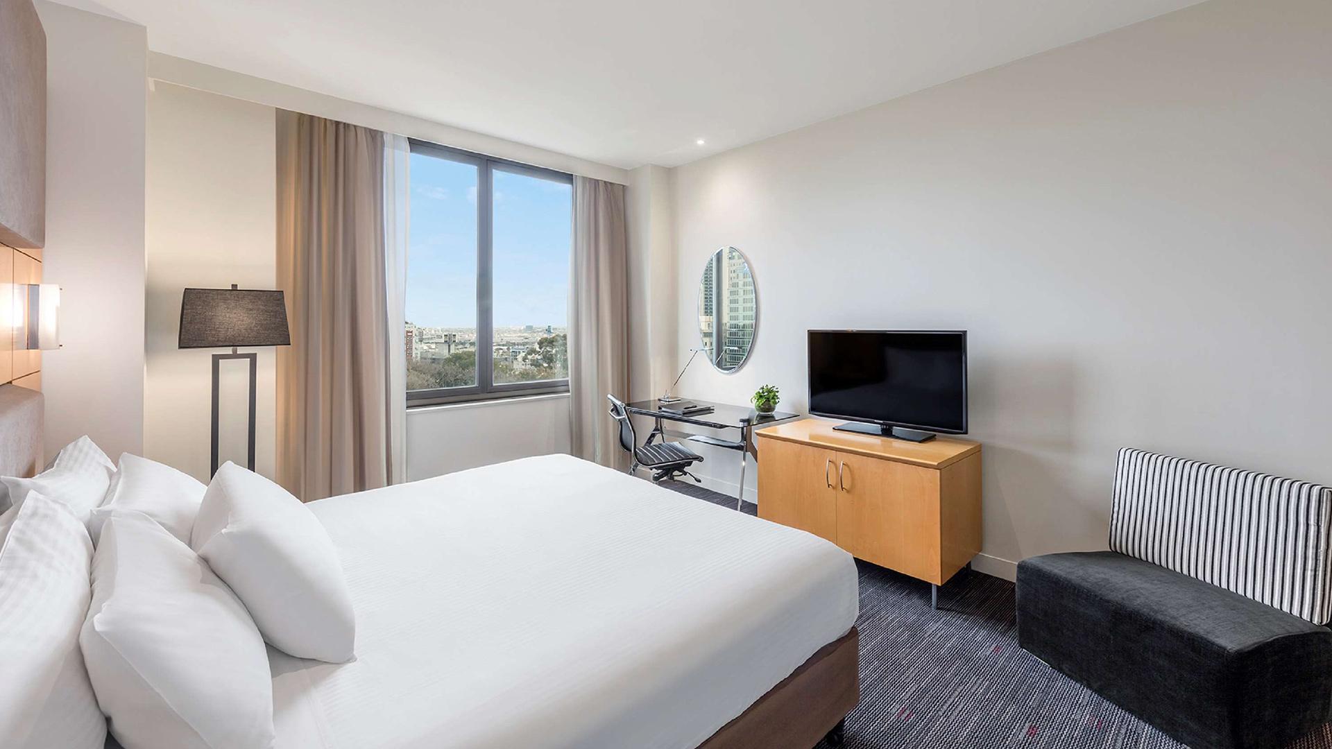 Superior Park View Room image 1 at Radisson on Flagstaff Gardens Melbourne by Melbourne City, Victoria, Australia