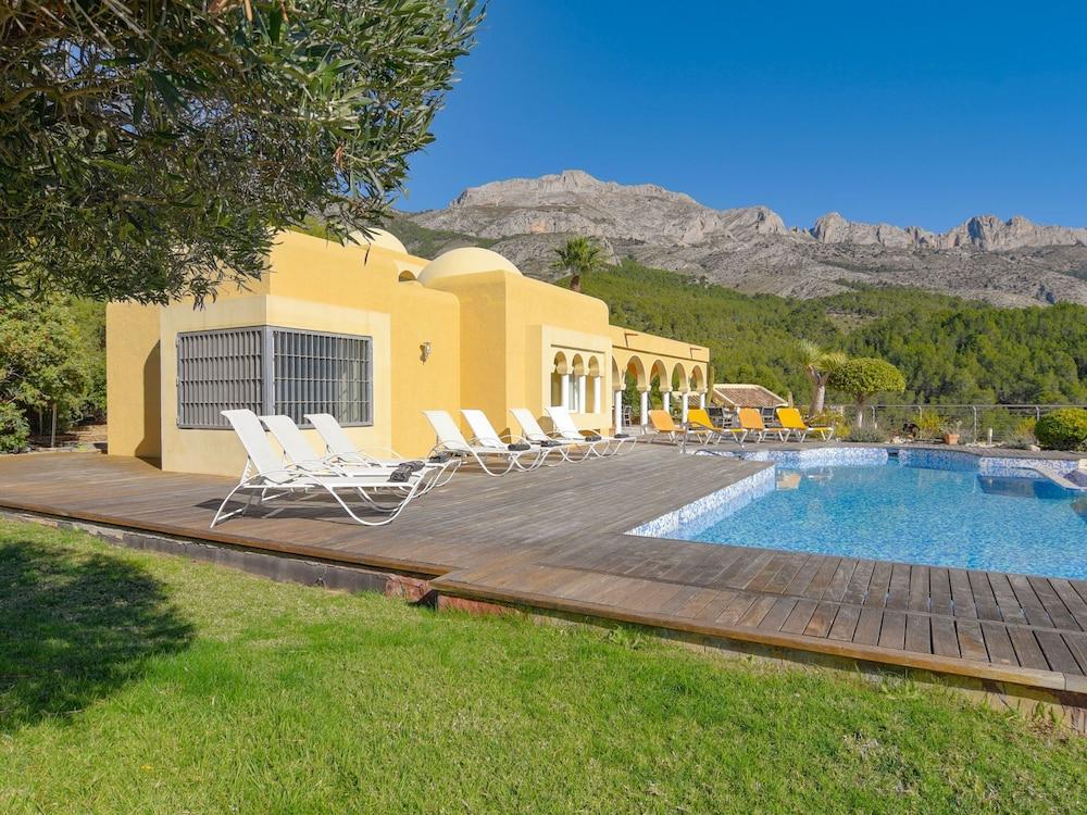 Splendid Villa in Artistic Village of Altea With Private Heated Pool