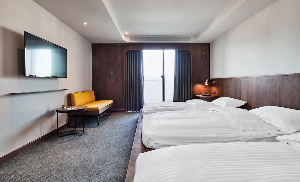 image 1 at La Plaza Hotel by 202 ChengKong Road Tainan 70443 Taiwan