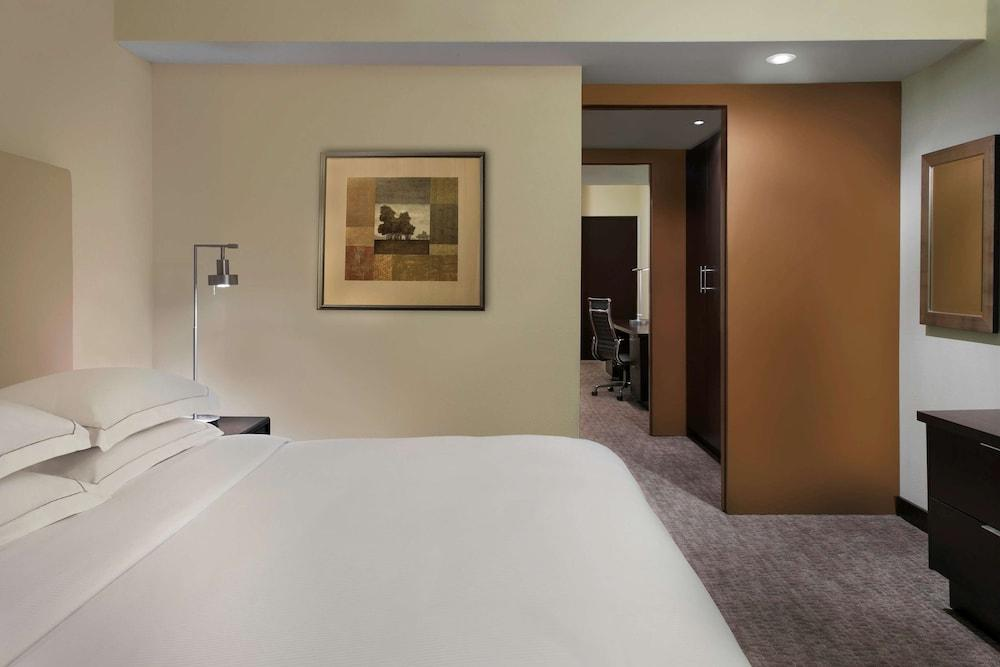 image 1 at Hilton Toronto/Markham Suites Conference Centre & Spa by 8500 Warden Avenue Markham ON Ontario L6G 1A5 Canada