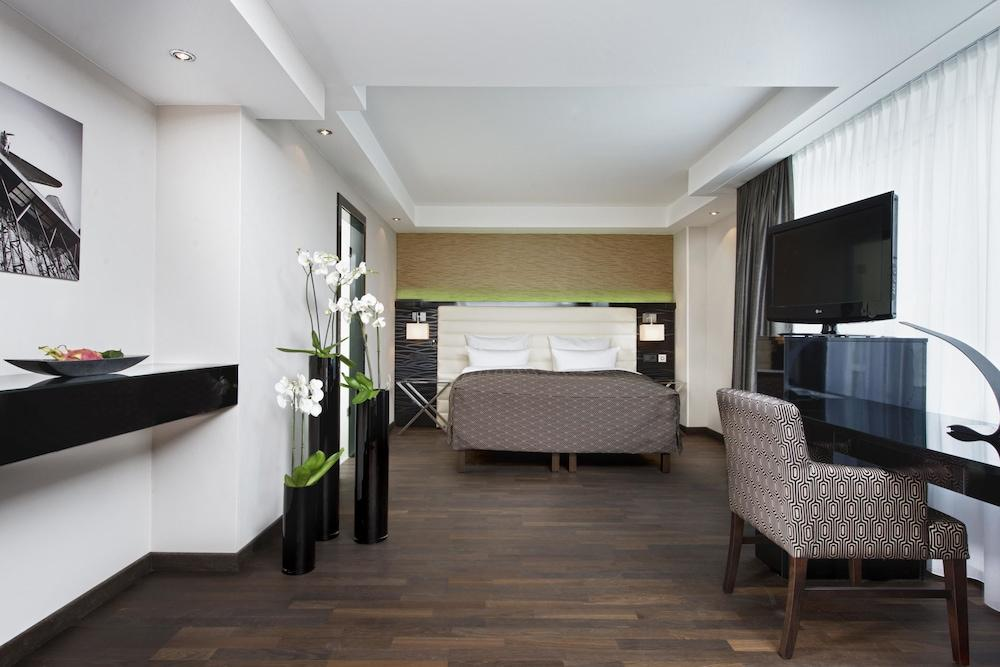 image 1 at Hotel Palace Berlin by Budapester Strasse 45 Berlin BE 10787 Germany