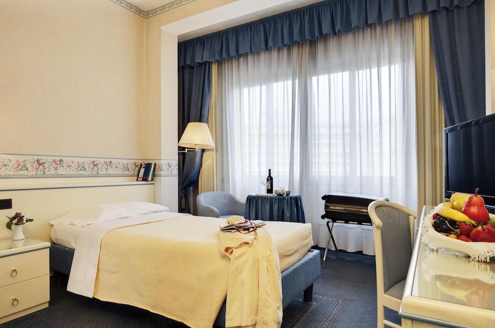 image 1 at Hotel Terme Bristol Buja by Via Monteortone 2 Abano Terme PD 35031 Italy