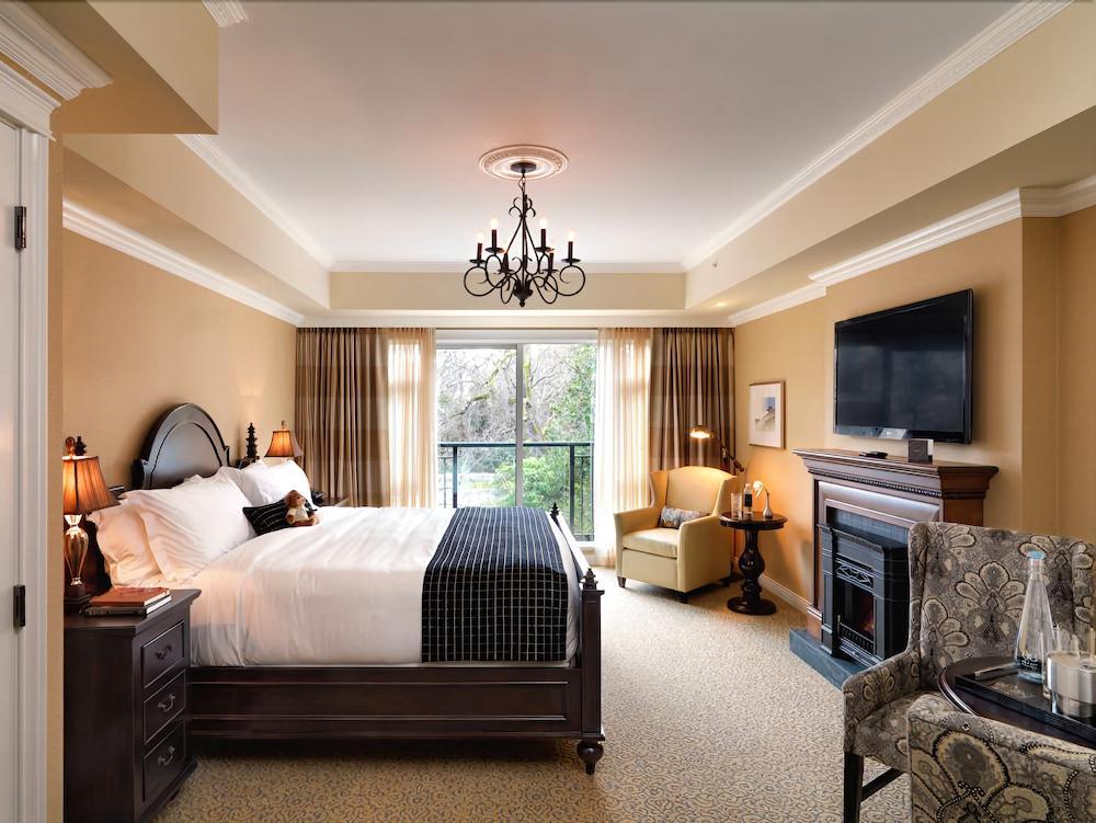 image 1 at Oak Bay Beach Hotel by 1175 Beach Dr Victoria BC British Columbia V8S2N2 Canada