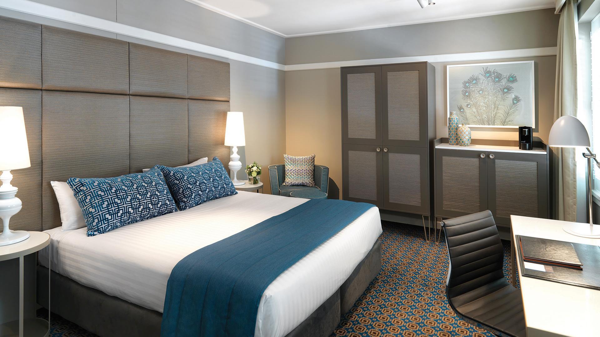 Classic Room image 1 at Hotel Kurrajong Canberra by null, Australian Capital Territory, Australia