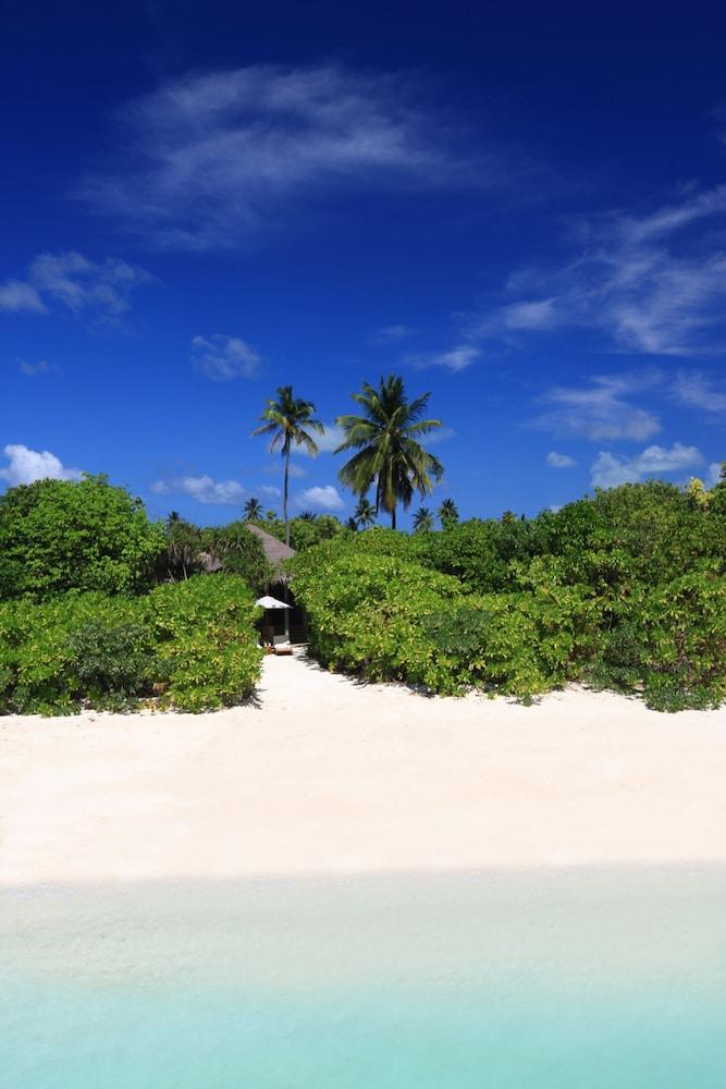 image 1 at Six Senses Laamu by Olhuveli Island Laamu Atoll Olhuveli 08290 Maldives