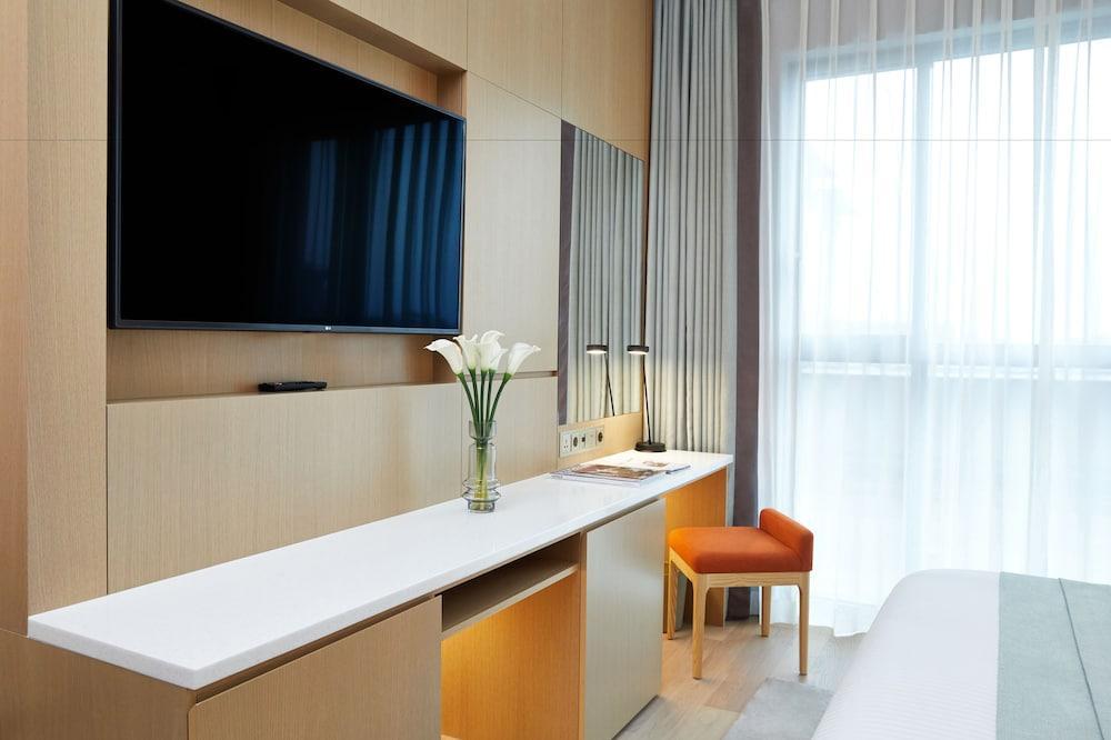 image 1 at Landing Jeju Shinhwa World Hotels & Resorts by 38, Sinhwayeoksa-ro 304beon-gil Andeok-myeon Seogwipo Jeju Island 63522 South Korea
