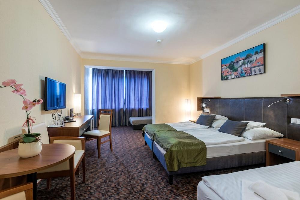 image 1 at Hotel Eger & Park by 1 Szálloda u. Eger 3300 Hungary