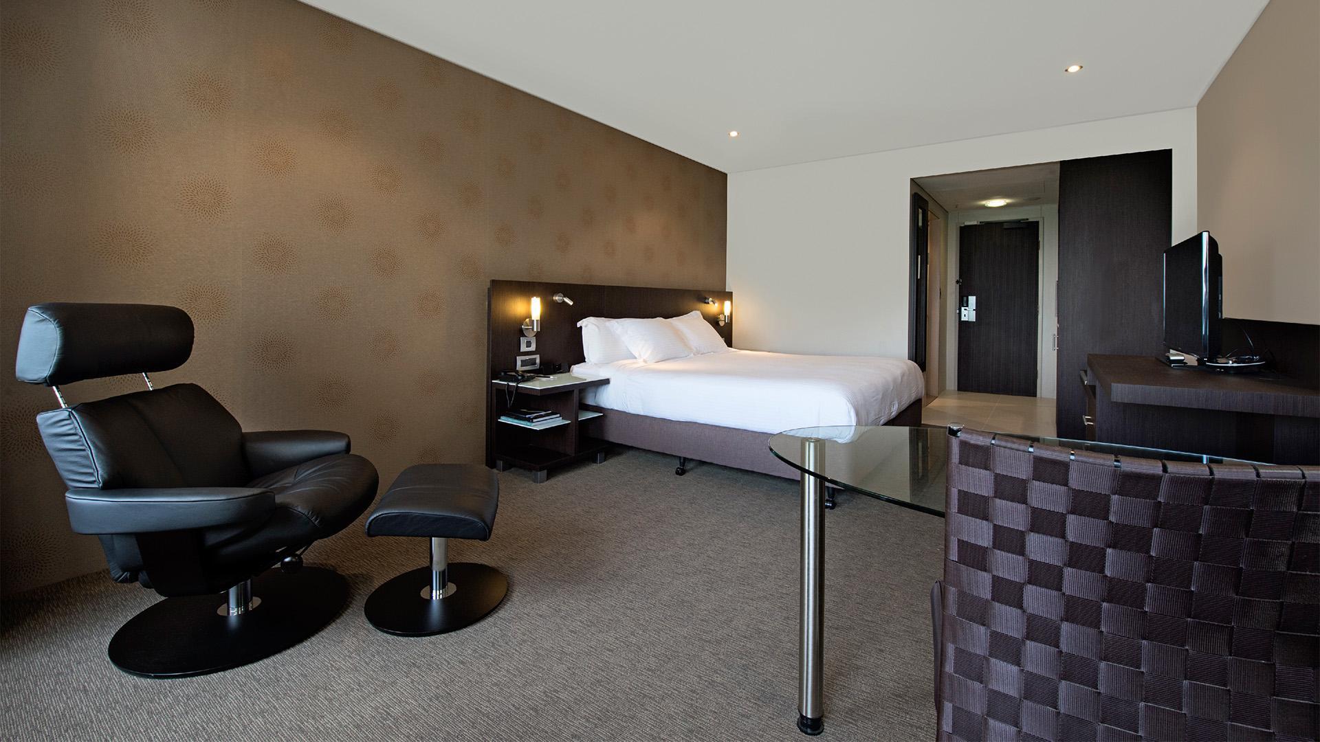 King Executive Room image 1 at Hilton Darwin by Darwin Municipality, Northern Territory, Australia