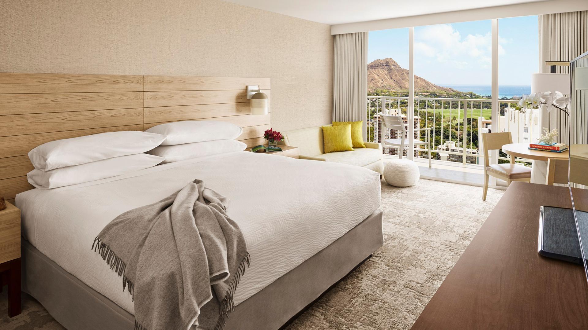 Diamond Head Ocean View King image 1 at 'Alohilani Resort Waikiki Beach by Honolulu County, Hawaii, United States