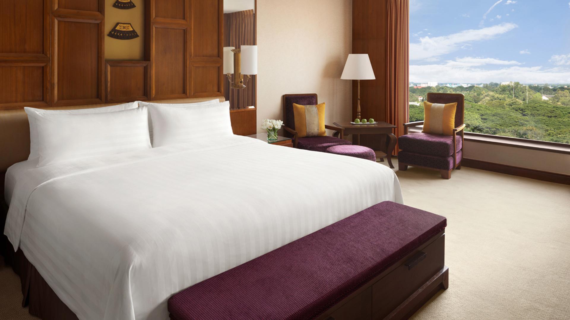 Deluxe King/Twin Room image 1 at Shangri-La Hotel, Chiang Mai by Amphoe Mueang Chiang Mai, Chang Wat Chiang Mai, Thailand