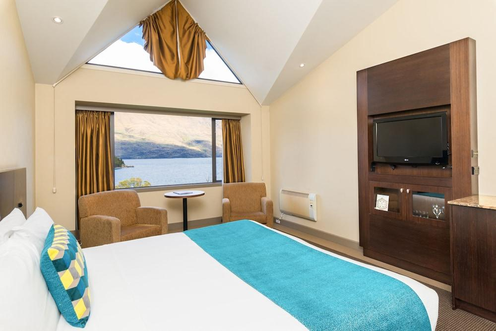 image 1 at Copthorne Hotel and Resort Queenstown Lakefront by 27 Frankton Road Queenstown 9300 New Zealand