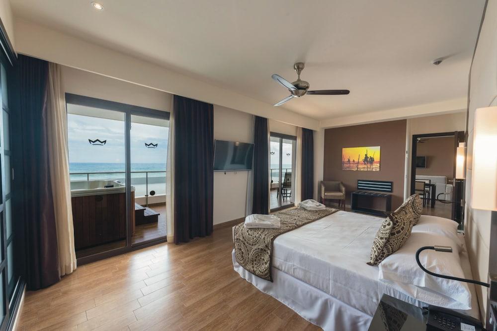 image 1 at Hotel Riu Sri Lanka - All Inclusive by Ahungalla Beach Bentota Walallawita Korale Ahungalla 80500 Sri Lanka