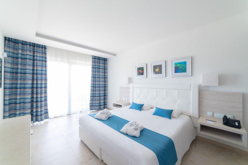image 1 at Ramla Bay Resort by Marfa L/o Mellieha Mellieha Malta MLH 7100 Malta