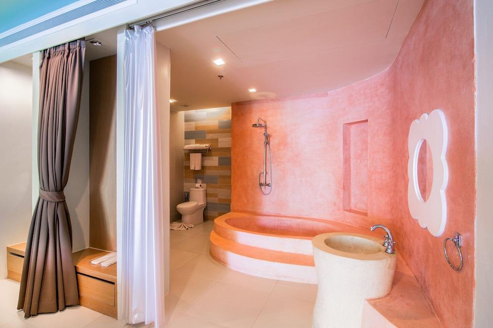 image 1 at Holiday Inn Resort Krabi Ao Nang Beach, an IHG Hotel by 123 Moo 3, Ao Nang Beach Krabi 81180 Thailand