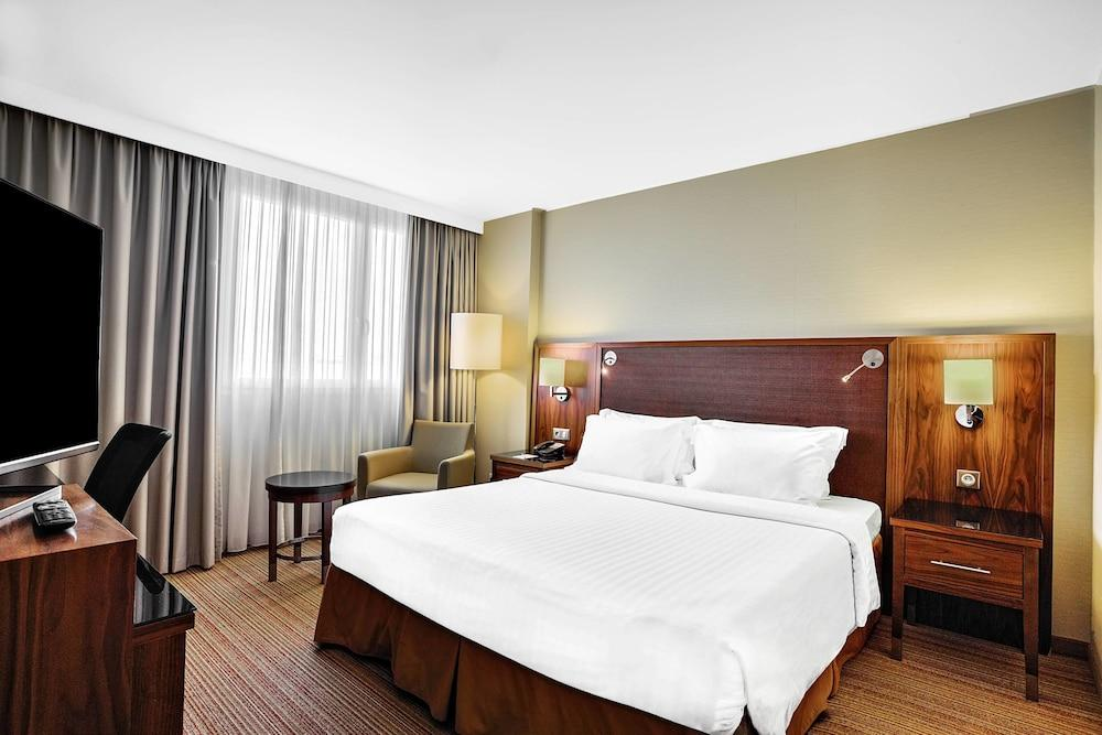 image 1 at Courtyard by Marriott Toulouse Airport by 4Bis, Rue Alain Fournier Saint Martin du Touch Toulouse Haute-Garonne 31300 France