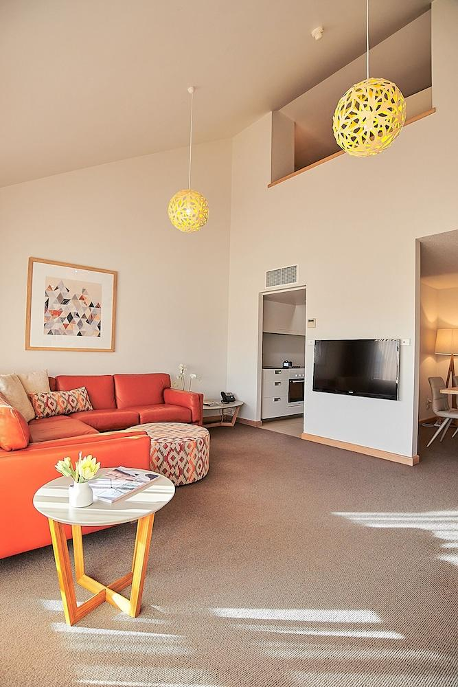 image 1 at Salamanca Inn by 10 Gladstone Street Hobart Battery Point TAS Tasmania 7000 Australia