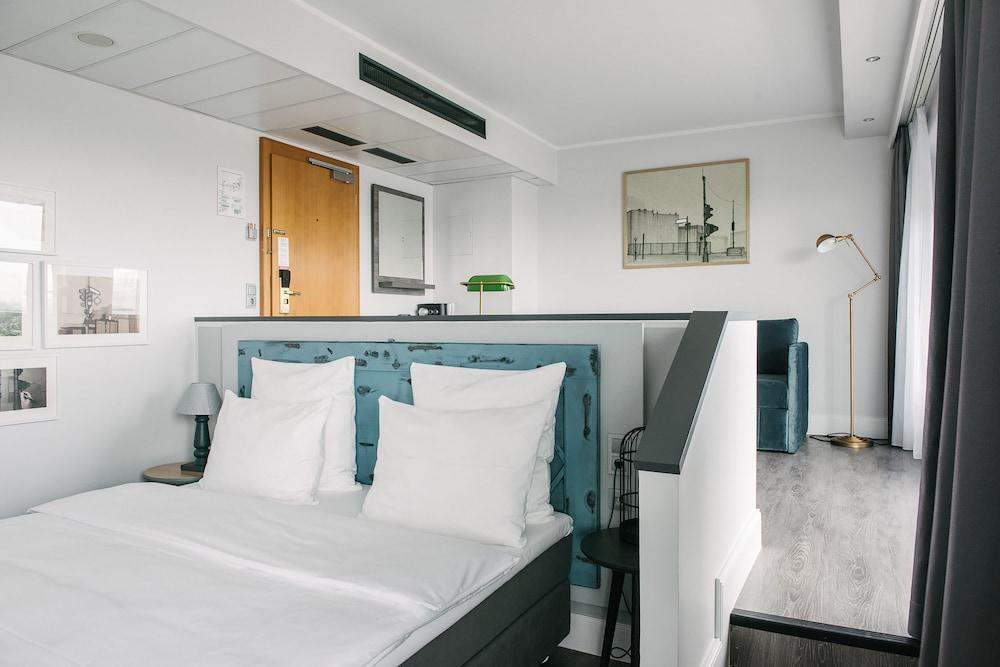image 1 at Hotel Berlin, Berlin by Lützowplatz 17 Berlin BE 10785 Germany