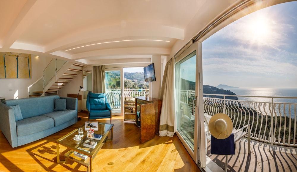 image 1 at Villa Fiorella Art Hotel by Via Vincenzo Maggio 5 Massa Lubrense Napoli 80061 Italy