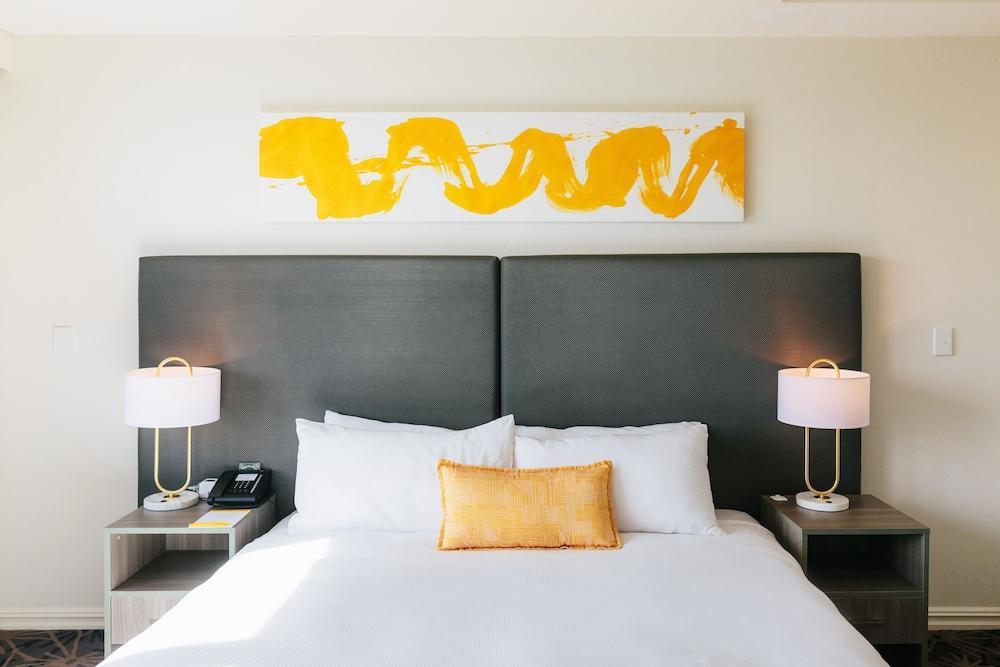 image 1 at voco Gold Coast, an IHG Hotel by 31 Hamilton Avenue Surfers Paradise QLD Queensland 4217 Australia