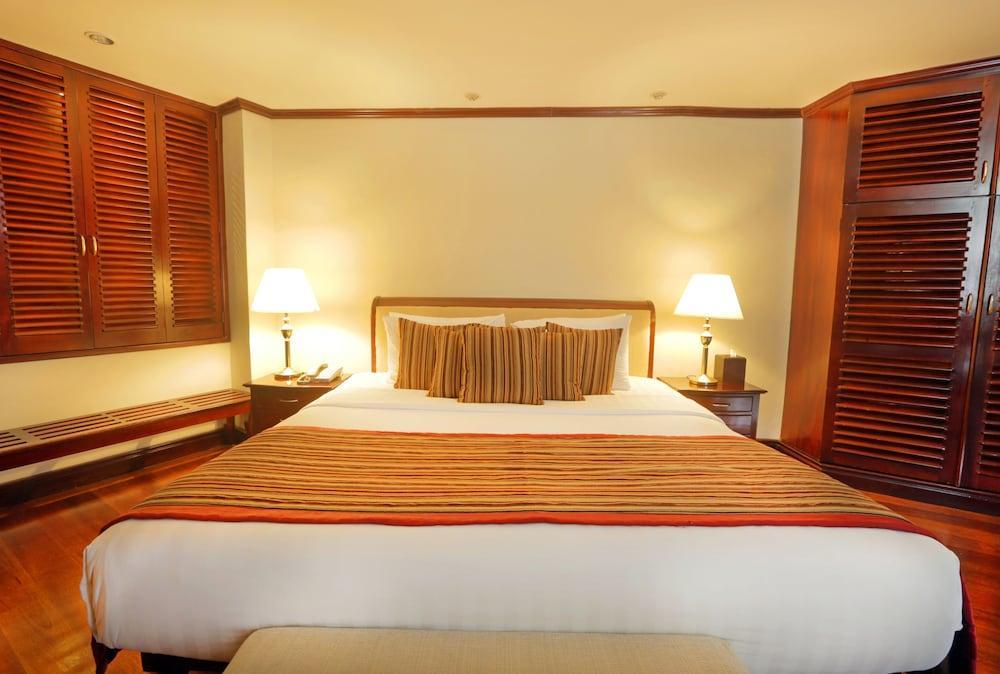 image 1 at Mount Lavinia Hotel by 100 Hotel Road Mount Lavinia 10732 Sri Lanka