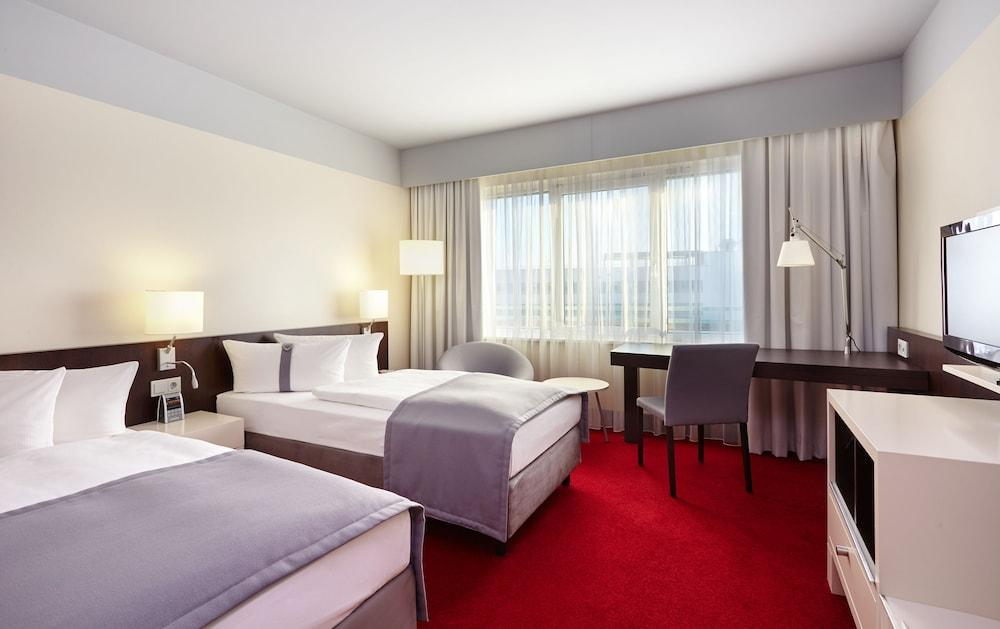 image 1 at Holiday Inn Berlin Airport - Conference Centre by Hans Grade Allee 5 Schoenefeld BB 12529 Germany
