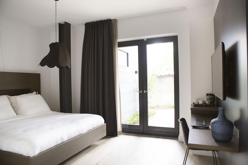 image 1 at Hotel & Brasserie Katoen by Bleekveld 9 Goes Zeeland 4461 DD Netherlands