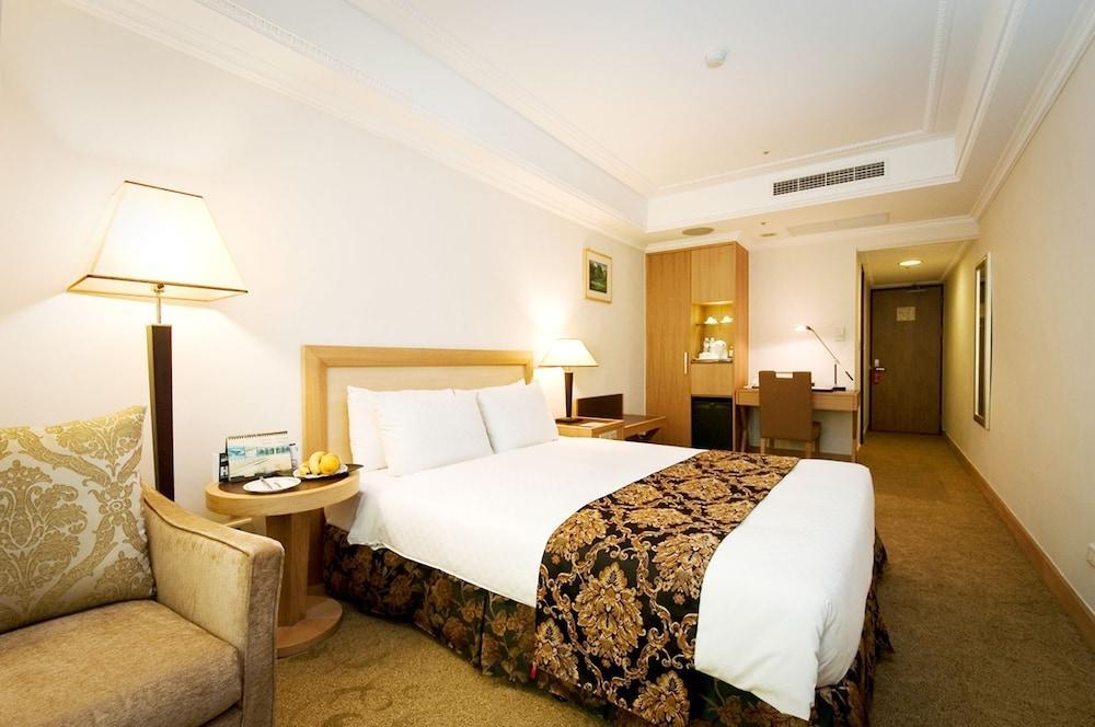 image 1 at Golden China Hotel by 306, Sungchiang Road Taipei 104 Taiwan