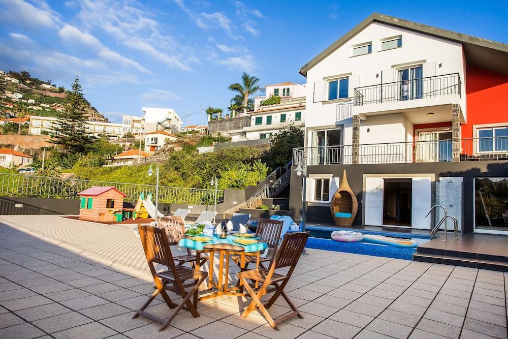 Villa Danny by MHM