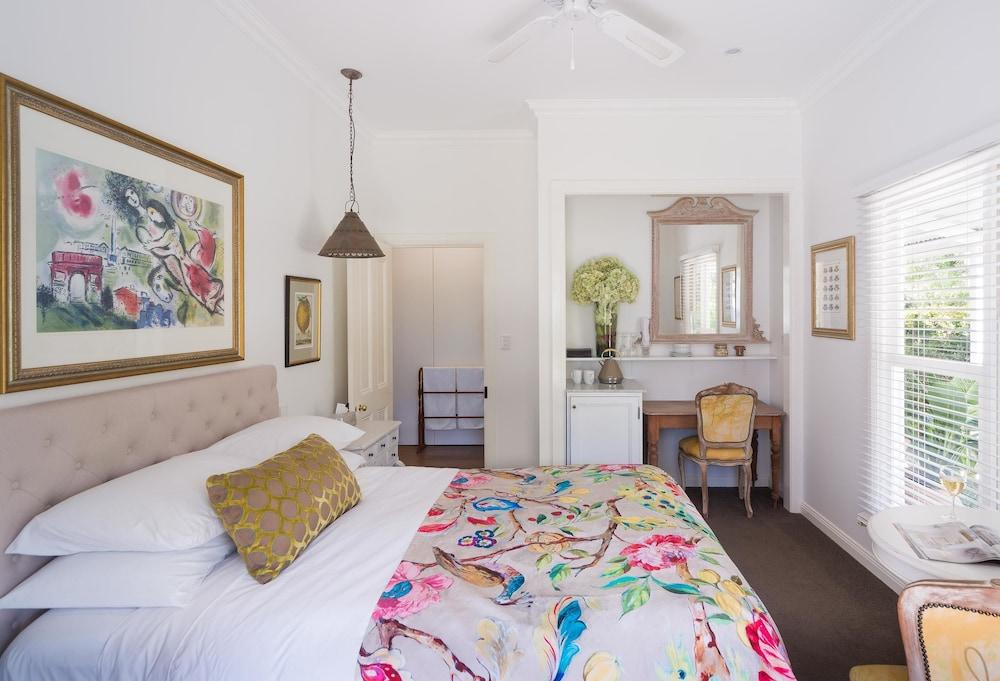 image 1 at Abelia House by 6/146 Old Bangalow Rd Byron Bay NSW New South Wales 2481 Australia