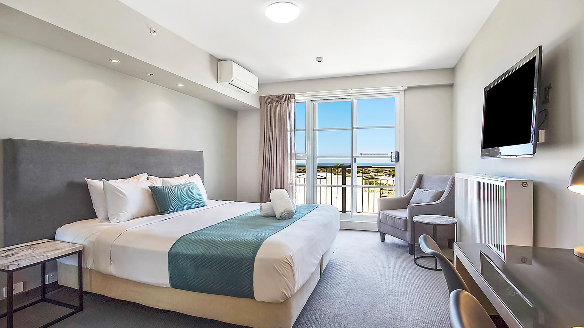 Ocean-View Studio Queen image 1 at Deep Blue Hotel & Hot Springs by Warrnambool City, Victoria, Australia